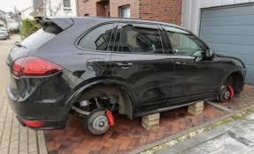autos sin ruedas