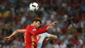 Nice  France   17 06 2016 - Gerard Pique  L  of Spain and Gokhan Gonul of Turkey go for a header during the UEFA EURO 2016 group D preliminary round match between Spain and Turkey at Stade de Nice in Nice  France  17 June 2016      RESTRICTIONS APPLY  For editorial news reporting purposes only  Not used for commercial or marketing purposes without prior written approval of UEFA  Images must appear as still images and must not emulate match action video footage  Photographs published in online publications  whether via the Internet or otherwise  shall have an interval of at least 20 seconds between the posting    Espana  Niza  Francia  Turquia  EFE EPA OLIVER WEIKEN EDITORIAL USE ONLY  Espana  Niza  Francia  Turquia  EFE EPA OLIVER WEIKEN EDITORIAL USE ONLY EDITORIAL USE ONLY