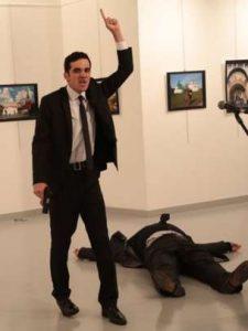 uere-embajador-ruso-galeria-apankara